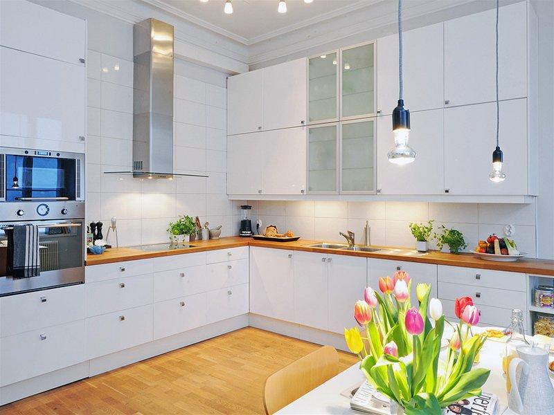Обои для белой кухни фото